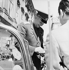 Youri Gagarine (1934-1968), cosmonaute soviétique, signant des autographes. Vienne (Autriche), 1962. © Imagno/Roger-Viollet
