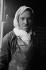 Travailleur immigré algérien employé au déchargement du charbon. Drancy-Le Bourget (Seine-Saint-Denis), avril 1970. Photographie de Léon Claude Vénézia (1941-2013). © Léon Claude Vénézia / Roger-Viollet