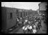 """Guerre d'Espagne (1936-1939). """"La Retirada"""". Des réfugiés, à la gare de Boulou-Perthus, vont être dirigés vers un centre en France. 2 février 1939. Photographie Excelsior. © Excelsior - L'Equipe / Roger-Viollet"""