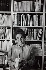 Françoise Giroud (1916-2003), journaliste, écrivain et femme politique française, chez elle. Paris, 1979. Photographie de Janine Niepce (1921-2007). © Janine Niepce / Roger-Viollet