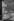 Salle d'attente réservée au travailleurs immigrés en gare d'Austerlitz. Paris, années 1970. © Georges Azenstarck / Roger-Viollet