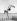 Jeune femme dansant sur une plage. Etats-Unis, vers 1925.  © Underwood Archives/The Image Works/Roger-Viollet