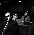 N.F.Simpson (1919-2011), John Mortimer (1923-2009) et Harold Pinter (1930-2008), auteurs dramatiques anglais. Londres (Angleterre), Arts Theatre, 1960.  © John Hedgecoe / TopFoto / Roger-Viollet