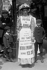 Suffragette annonçant une manifestation pour le droit de vote des femmes. Londres (Angleterre), 8 juillet 1908. © PA Archive/Roger-Viollet