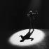 Léo Ferré (1916-1993), chanteur et compositeur français. Paris, Alhambra, 1961. © Studio Lipnitzki / Roger-Viollet