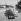 Touristes français à Salonique (Grèce). © Roger-Viollet