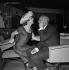 """""""Un Drôle de Dimanche"""", film de Marc Allégret. Danielle Darrieux et Bourvil. France, 10 juillet 1958. © Alain Adler / Roger-Viollet"""