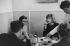 """Marguerite Duras (1914-1996), femme de lettres française, et Melina Mercouri (1920-1994), actrice et femme politique grecque, lors du tournage de """"Dix heures trente du soir en été"""" réalisé par Jules Dassin d'après le roman de Marguerite Duras. Paris, 1966. © Noa / Roger-Viollet"""
