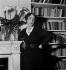 Elsa Schiaparelli (1890-1973), couturière française d'origine italienne. France, 1936. © Boris Lipnitzki/Roger-Viollet