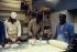 Travailleurs immigrés de l'usine de boulangerie industrielle Hédé. Ivry-sur-Seine (Val-de-Marne), 1983. © Georges Azenstarck / Roger-Viollet