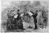 Giuseppe Verdi (1813-1901), compositeur italien, dirigeant la répétition d'une messe à l'Opéra comique de Paris. Gravure de Morin d'après Martin. B.N.F. © Albert Harlingue / Roger-Viollet