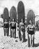 Surfeuses posant avec leurs planches. Californie du Sud (Etats-Unis), vers 1930. Photographie d'Underwood Archives. © Underwood Archives/The Image Works/Roger-Viollet