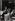 A travers les rues de Paris. La rue Mouffetard. Paris (Vème arr.), 1956. Photographie de Jean Marquis (né en 1926). Bibliothèque historique de la Ville de Paris. © Jean Marquis/BHVP/Roger-Viollet