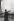 Le long de la Tamise, près du Tower Bridge. Londres (Angleterre), 1958. © Jean Mounicq/Roger-Viollet