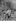 Nicolas II, tsar de Russie, prisonnier dans le parc de la résidence impériale de Tsarskoïe Selo, avant son transfert pour Tobolsk, juillet-août 1917. © Roger-Viollet