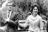 Le prince Juan Carlos (né en 1938), héritier du trône d'Espagne, et sa fiancée la princesse Sophie de Grèce (née en 1938). Grèce, 11 mai 1962. © TopFoto/Roger-Viollet