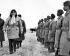 Guerre de Corée (1950-1953). Le général américain Douglas MacArthur inspectant les troupes (24ème régiment d'infanterie) sur l'aérodrome de Kimpo. Séoul, 21 février 1951. © US National Archives / Roger-Viollet