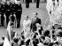 Golda Meir (1898-1978), premier ministre israélienne et Richard Nixon (1913-1994), président des Etats-Unis, lors d'une cérémonie d'accueil à la Maison Blanche. Washington D.C. (Etats-Unis), 25 septembre 1969. © TopFoto/Roger-Viollet