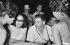 Raúl Castro et sa femme, Vilma Espin lors du carnaval de Santiago de Cuba. 1959.  © Gilberto Ante/Roger-Viollet
