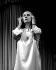 """""""L'intoxe"""" de Françoise Dorin. Jeanne Moreau. Paris, théâtre des Variétés, novembre 1980. © Studio Lipnitzki/Roger-Viollet"""