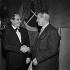 Léo Ferré (1916-1993), chanteur et compositeur français avec Maurice Chevalier (1888-1972), acteur et chanteur français. Paris, Théâtre du Vieux-Colombier, janvier 1961. © Studio Lipnitzki / Roger-Viollet