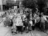 Fête dans la rue à l'occasion du couronnement de la reine Elisabeth II (née en 1926). Londres (Angleterre), 2 juin 1953. © TopFoto/Roger-Viollet