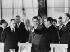 Négociations sur la limitation des armements stratégiques menant à la conclusion des traités de SALT I entre les Etats-Unis et l'U.R.S.S. : Henry Kissinger, Alexis Kossyguine, Nikolaï Podgorny, Richard Nixon, Léonid Brejnev et William Pierce Rogers. Moscou (U.R.S.S.), Kremlin, 23 mai 1972. © Ullstein Bild/Roger-Viollet