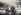 Guerre civile espagnole (1936-1939). Membre de la garde maure discutant avec un milicien carliste. © Iberfoto / Roger-Viollet