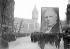 Guerre 1939-1945. Commémoration de la mort de Pierre Semard (1887-1942), cheminot français, membre du Parti Communiste, fusillé par les Allemands le 7 mars 1942. Paris, gare de Lyon. 12 mars 1945. © LAPI / Roger-Viollet