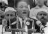 """Martin Luther King (1929-1968), pasteur américain et leader pour les droits civiques, prononçant son célèbre discours """"I have a dream"""" au Lincoln Memorial, devant plus de 200 000 manifestants lors de la marche pour les droits civiques. Washington D.C. (Etats-Unis), 28 août 1963. © TopFoto / Roger-Viollet"""