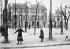 Place du Tertre, Montmartre. Paris (XVIIIème arr.), vers 1900. © Roger-Viollet