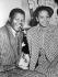 Nelson Mandela (1918-2013), homme politique sud-africain et leader du ANC et sa femme Winnie Mandela (1936-2018), le jour de leur mariage, 14 juillet 1958. © Sven Simon / Ullstein Bild / Roger-Viollet
