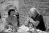 Léo Ferré (1916-1993), chanteur français et Benoîte Groult (1920-2016), journaliste, écrivaine et féministe française. France, 1972. © Geneviève Van Haecke / Roger-Viollet