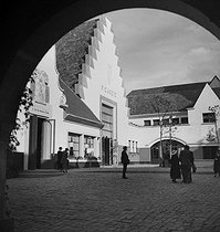 Paris, Exposition Internationale de 1937. Le Pavillon de Picardie.        © Pierre Jahan/Roger-Viollet