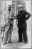 """Giuseppe Verdi (1813-1901), compositeur italien, en promenade avec Arrigo Boito (1842-1918), compositeur, romancier et poète italien qui écrivit plusieurs de ses livrets d'opéras dont """"Otello"""". Photographie prise à San't Agata. © Albert Harlingue / Roger-Viollet"""