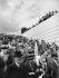 Paris, Exposition Internationale de 1937. La foule, au Trocadéro (XVIème arrondissement).     © Pierre Jahan/Roger-Viollet
