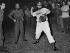 Fidel Castro (1926-2016), homme d'Etat et révolutionnaire cubain, jouant au baseball. Santiago de Cuba (Cuba), 1960. © Gilberto Ante/BFC/Gilberto Ante/Roger-Viollet