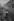 Enfant le jour de Noël. Londres (Angleterre), 1958. © Jean Mounicq/Roger-Viollet