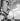Exposition internationale de 1937 à Paris. La tour Eiffel prise de l'île aux Cygnes. © Pierre Jahan/Roger-Viollet