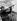 Fidel Castro (1926-2016), homme d'Etat et révolutionnaire cubain, tirant au fusil-mitrailleur, dans la Sierra Maestra (Cuba), 1963. © Gilberto Ante/BFC/Gilberto Ante/Roger-Viollet