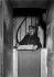 Le gardien du Livre d'or du Soldat inconnu. Paris (VIIIème arr.), Arc de Triomphe de l'Etoile, vers 1925. © Albert Harlingue/Roger-Viollet