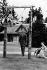 La famille royale anglaise à Balmoral (Ecosse) : la reine Elisabeth II, le prince Philip d'Edimbourg, le prince Charles et la princesse Anne. © Roger-Viollet