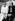 Cecil Beaton (Sir Cecil Walter Hardy Beaton) (1904-1980), photographe, décorateur et costumier anglais, et Andy Warhol (1928-1987), artiste américain, dessinateur, vedette du pop art et cinéaste, au Le Bal de Volpi, à Venise, en 1973.  © Jack Nisberg / Roger-Viollet