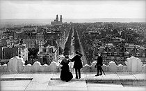 Panorama of avenue Kléber taken from the Arc de Triomphe. Paris (XVIth arrondissement), 1900. © Neurdein/Roger-Viollet