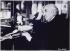 Louis Lumière (1864-1948), chimiste et industriel français, pionnier du cinéma, devant sa table, janvier 1936. Photographie de Walter Limot (1902-1984). Paris, musée Carnavalet. © Walter Limot / Musée Carnavalet / Roger-Viollet