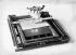 Guerre 1914-1918. Machine à écrire Constançon (fabrique de précision de Lausanne) en braille, pour soldats aveugles, 1916. © Jacques Boyer / Roger-Viollet