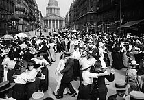 Bastille Day ball in front of the Pantheon. Paris, 1912. © Maurice-Louis Branger/Roger-Viollet