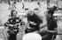 Diana Vreeland (1903-1989), rédactrice au Vogue américain, et Andy Warhol (1928-1987), artiste et cinéaste américain. Venise (Italie), septembre 1973. © Jack Nisberg / Roger-Viollet