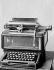L'un des premiers modèles de machines à écrire Remington. Paris, Conservatoire national des arts et métiers. 1923. © Jacques Boyer / Roger-Viollet