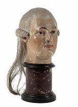 Anonymous. Guillotined head of King Louis XVI of France. Painted wood, horsehair ; plinth in marble. Paris, musée Carnavalet. © Eric Emo/Musée Carnavalet/Roger-Viollet